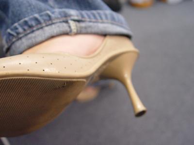Jeans avec talons aiguilles